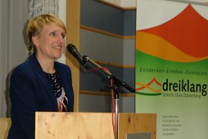 Begrüßung durch Karin Moser